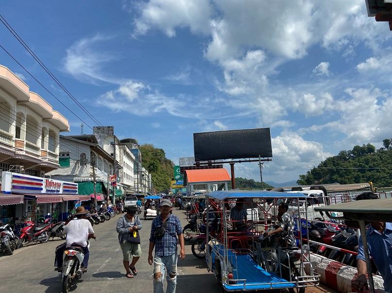 ミャンマービザラン コータウンの港