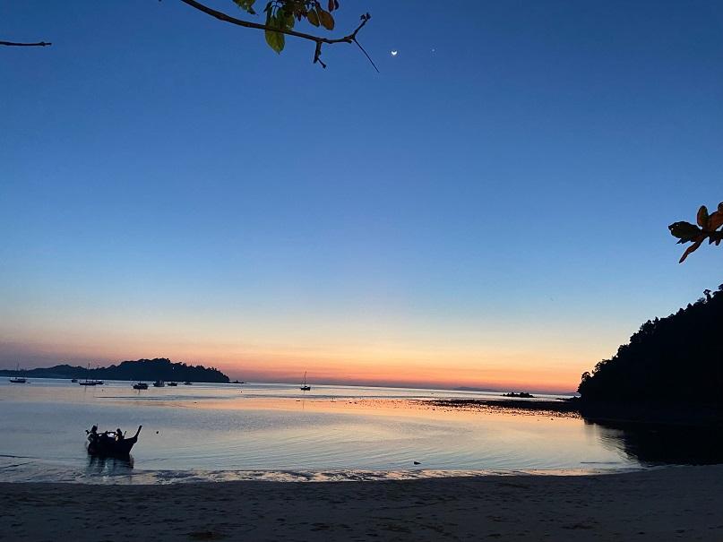 パヤム島:アオカオコワイビーチ  koh phayam aow khao-kwai beach