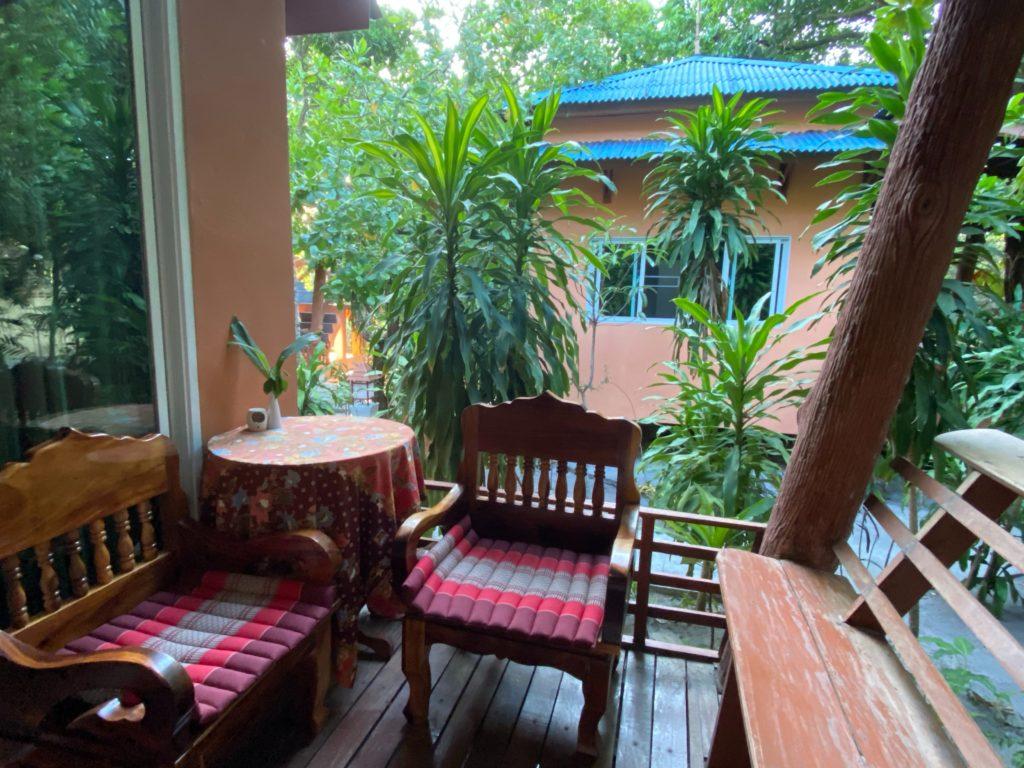 パヤム島 アオヤイビーチ JJ ビーチ リゾート&JJ シーフード レストラン (JJ Beach Resort & JJ Seafood Restaurant) koh phayam aow yai beach