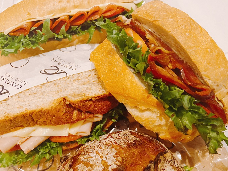 バンコクのおいしいパン屋さん、21時過ぎは半額でおススメ!