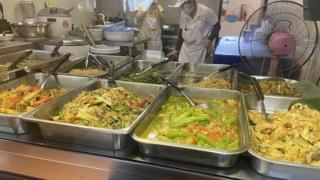 チュラロンコン大学の学食、バンコク