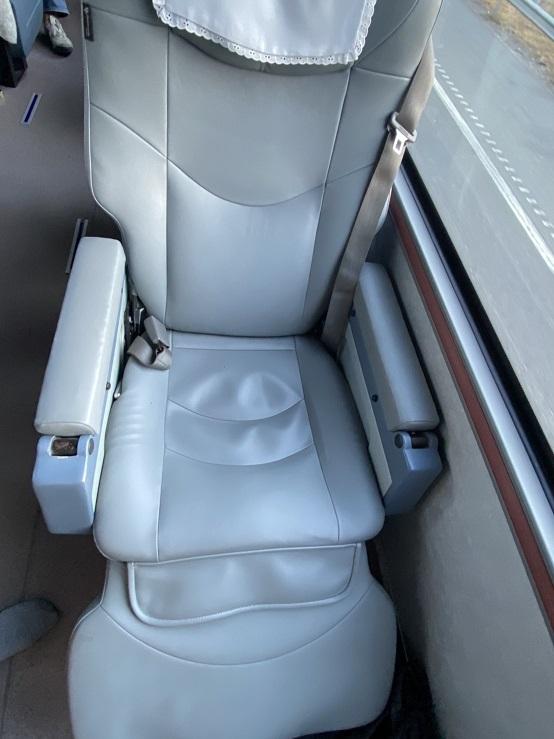 スワンナプーム空港ーホアヒン行き バス車内 座席